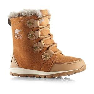 Sorel suede boots BNWT